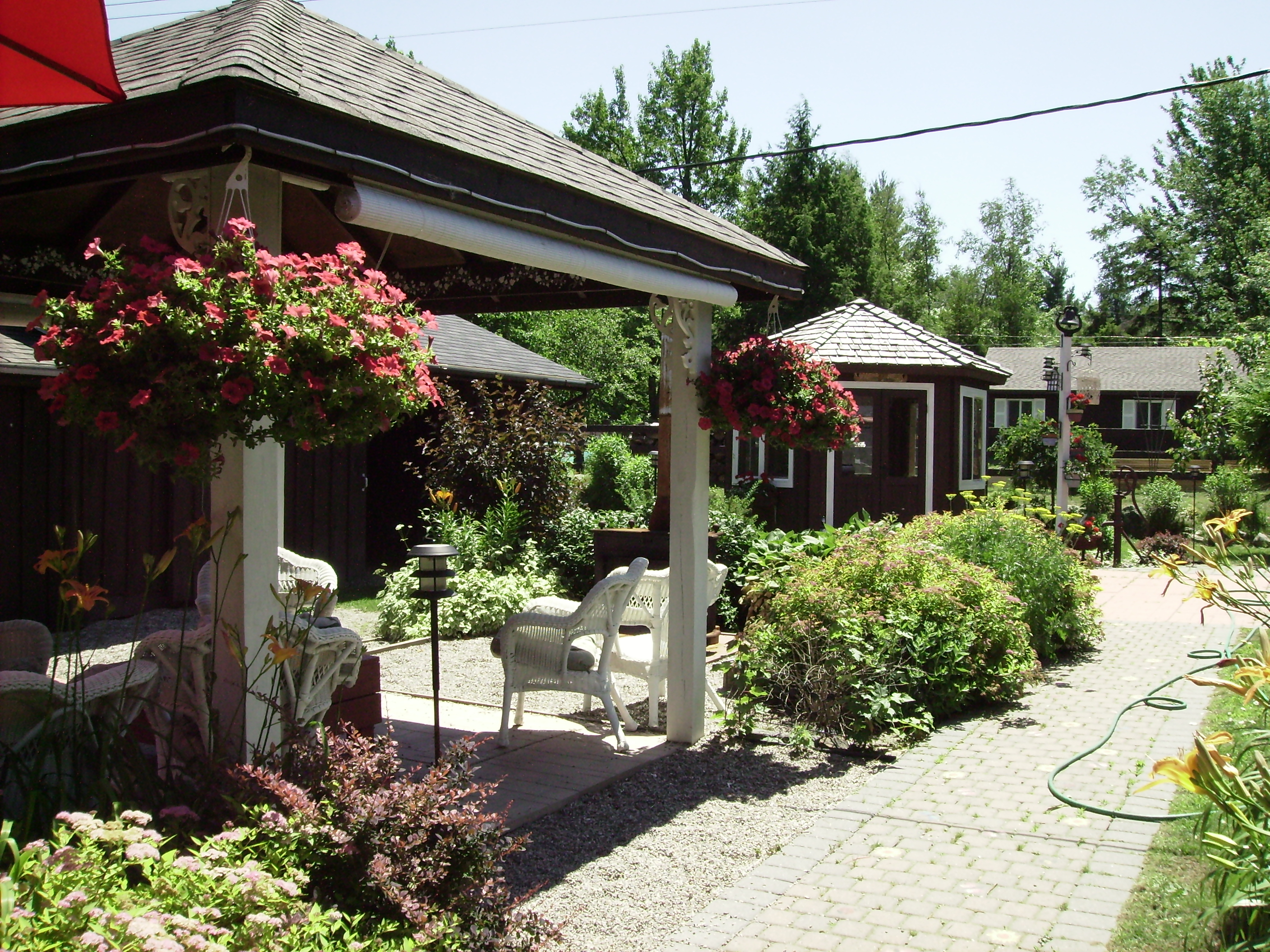 Theguest House Offers A Variety Of Areas Where You Can Curl Up With Book Unwind Gl Wine Visit Friends Or Just Take Siesta